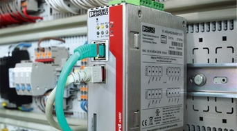 Combination of monitoring software and industrial firewall