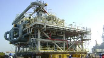 Qatargas ships first LNG cargo to Pakistan