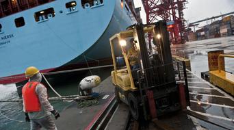 Maersk to get $3.1 billion from supermarket sale