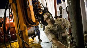 OPEC oil production slumps by 80,000 bpd in July