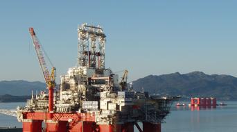 Aker Solutions buys Dubai's NPS Energy for $350m