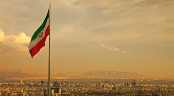 Iran signs deals to sell crude to European firms