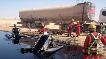 Leak at Kuwaiti oil well site, no gas spill seen