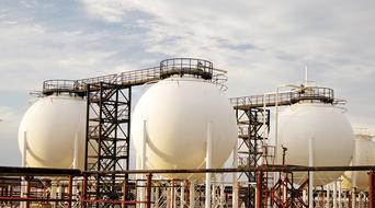 Oman raises tax on gas, petrochemical producers