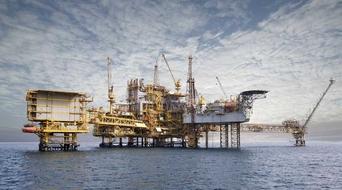 Maersk orders $1.2 billion worth of drilling rigs