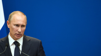 Putin backs Russian oil disaster contingency fund