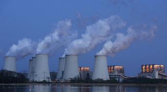 Qatar plans region's largest power plant