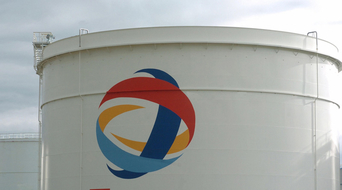 Total starts up deep offshore Kaombo in Angola