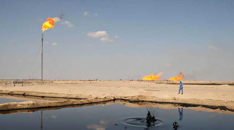 Iraq mulls selling oil through Iran as backup bet