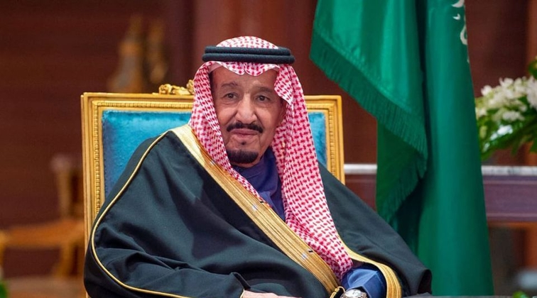 Saudi King Salman and Vladimir Putin discuss oil market amid price drop