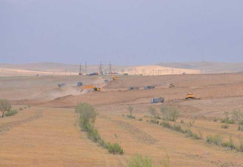 Site preparation works on OLTIN YO'L GTL construction site as on April 2014.