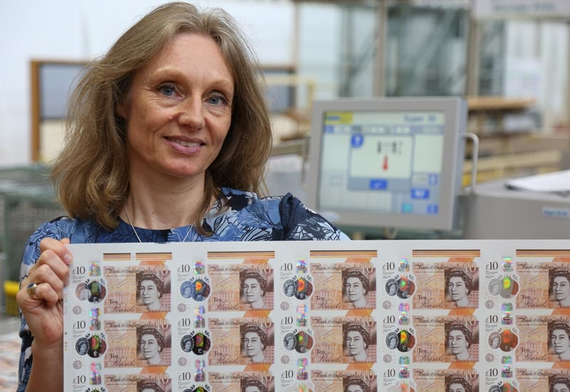 Victoria Cleland, Chief Cashier, Bank of England, with the new £10 polymer note. (Image courtesy: Bank of England)