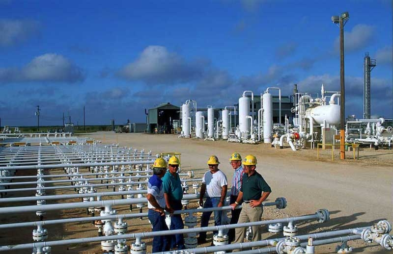 Under the previous administration, EPA sent letters to more than 15,000 owners and operators in the oil and gas industry, requiring them to provide information. (Image: Shell Mcallen Ranch Texas; Image courtesy: Shell. Image for illustration purpose only.)