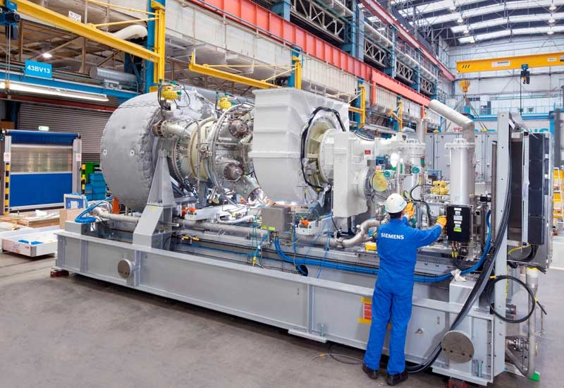 Within the Wang Noi compressor station in Thailand, three SGT-400 industrial gas turbines will each drive a Siemens barrel-type compressor.