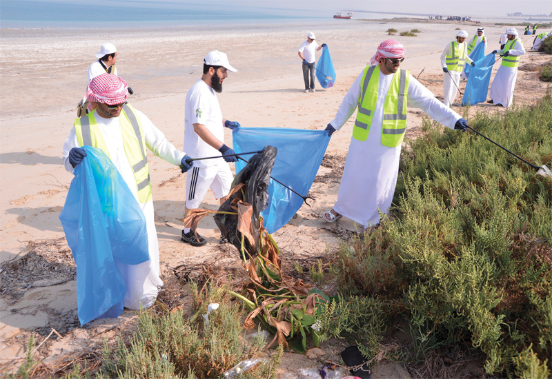 Clean-up gulf saw over 2500 people participate to clear the litter strewn across the beaches of the gulf