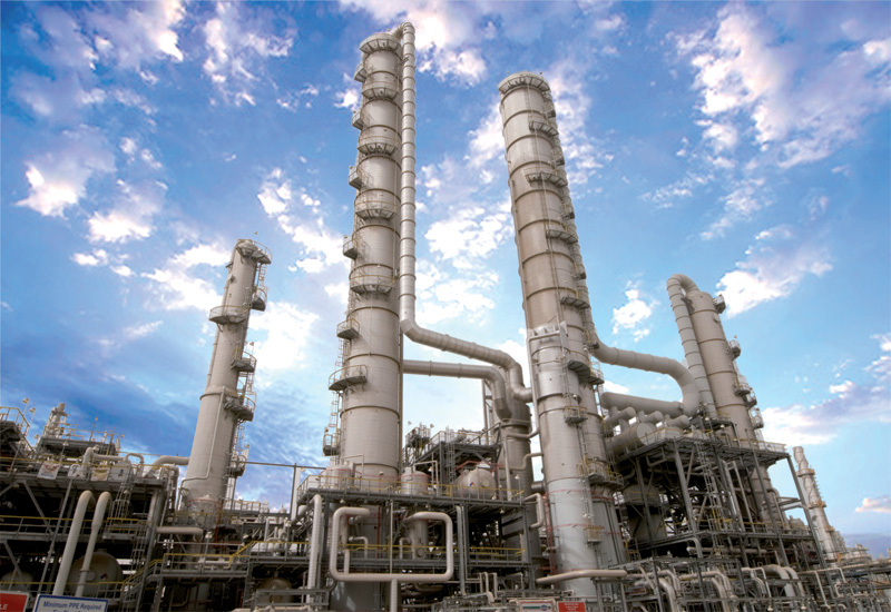 Kuwait has a total refining capacity of 963000 bpd, produced through three main refineries.