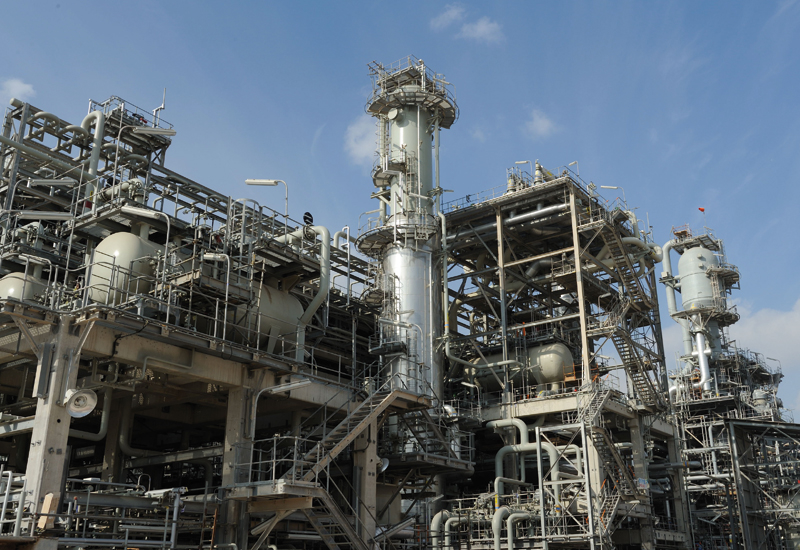 Sulphur handling and use has become a huge issue for large gas facilities.