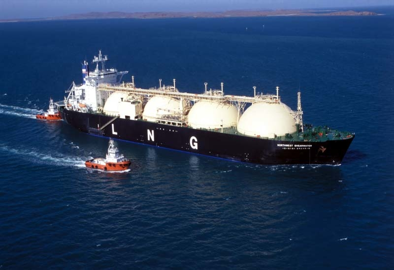 Gulf oil and gas exports are under threat from Iranian threats to close the Straits of Hormuz.