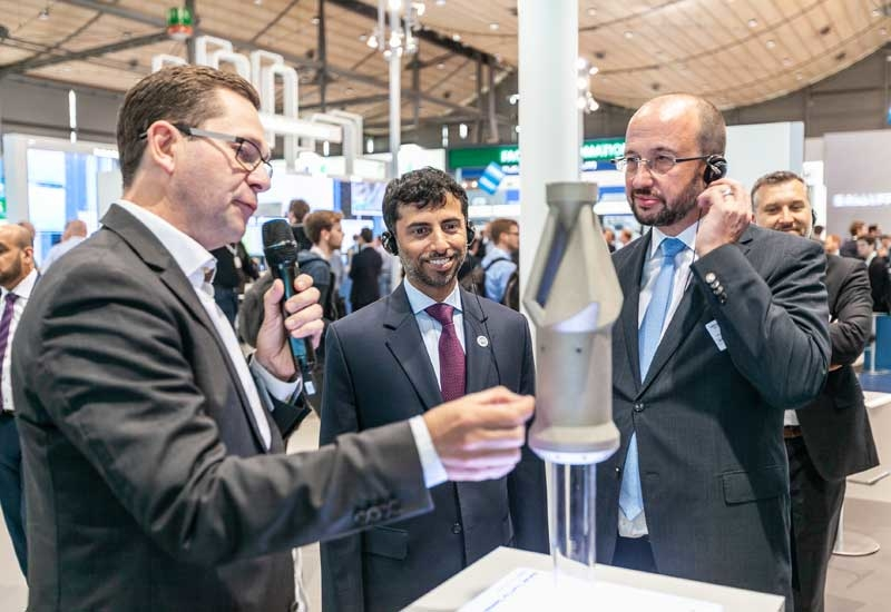 Eng. Suhail Al Mazrouei (centre), minister of energy and industry in the United Arab Emirates and president of the OPEC Conference, at the Siemens stand at Hannover Messe.