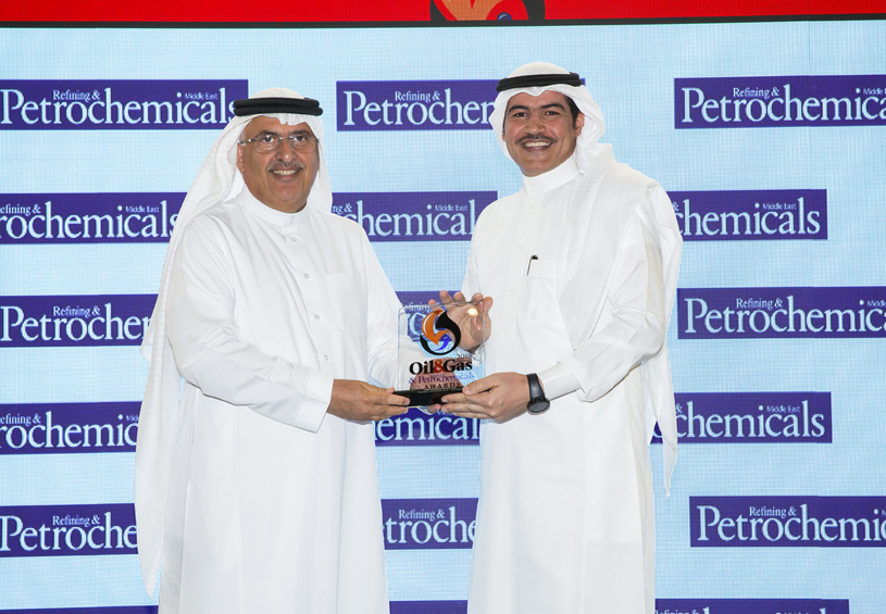 Dr Abdulwahab Al-Sadoun (left), secretary general of the Gulf Petrochemicals and Chemicals Association (GPCA), presents the 2018 'CSR Initiative of the Year' Award, won by Sipchem Innovation Club, to Mufleh S Al-Shammari, manager, corporate communications and CSR, Sipchem.