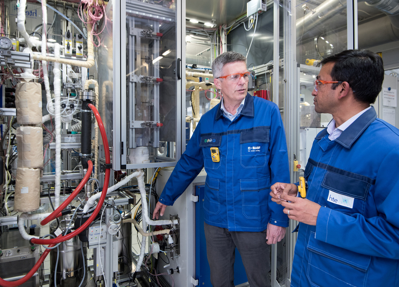 Aspects of the new CO2 emission-free methanol synthesis process were tested in a pilot plant at BASF's subsidiary hte GmbH in Heidelberg, Germany. Project manager Dr Maximilian Vicari and hte expert Dr Nakul Thakar have solved challenges that arose during the activation of the catalyst and the operation of the plant.