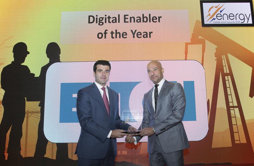 Ashraf Yehia (right), managing director, Eaton Corporation, presents the Digital Enabler of the Year Award won by Enova for Hubgrade 4.0 to Francisco Ramalheira, director – business development & marketing, Enova, at the 2019 Middle East Energy Awards.