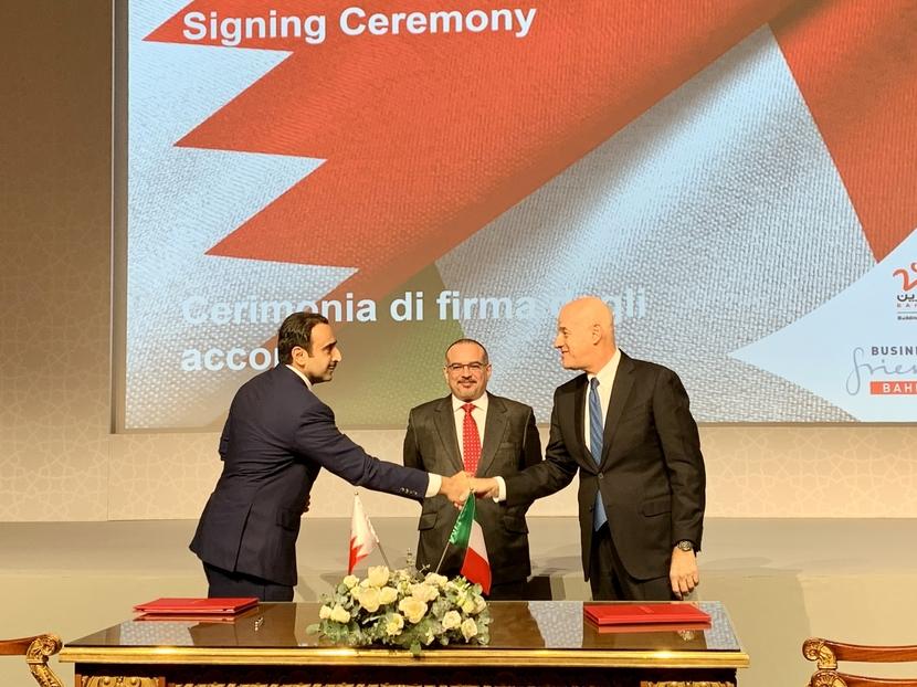 From the left H.E Shaikh Mohamed bin Khalifa bin Ahmed Al Khalifa Bahrain Oil Minister, HRH Crowne Prince Salman bin Hamad Al Khalifa, Eni's CEO Claudio Descalzi 3