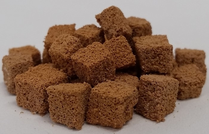 Porous polymer cubes can soak up 2-3 times there weight in oil.