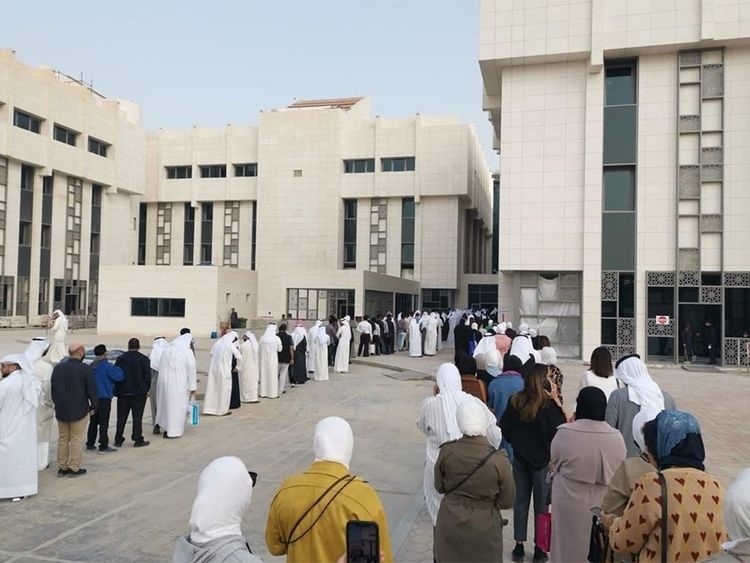 Kuwait government employees line up to get tested for coronavirus